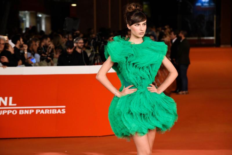 Festa del Cinema di Roma 2019: sfila l'eleganza e strabilia l'abito tributo a Judy Garland della modella Nicole Macchi