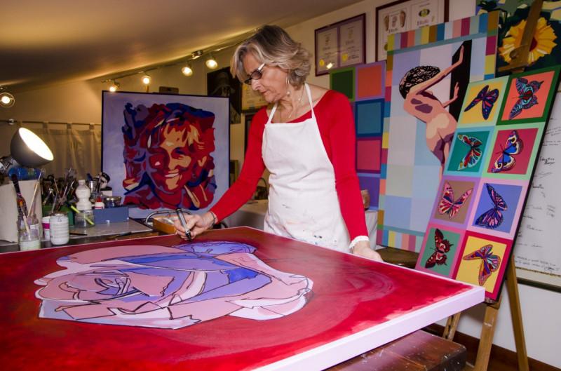 """La terapia del ritratto: """"Dipingo il subconscio delle persone"""""""
