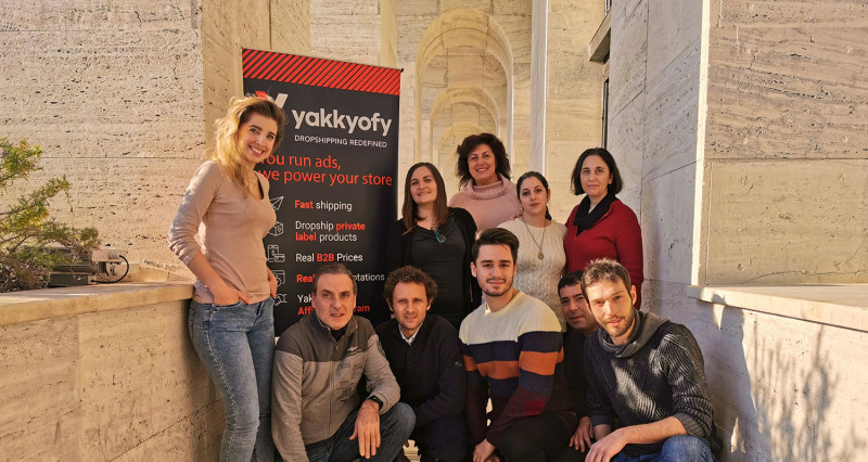 Yakkyofy, la startup che rivoluziona il modo di fare eCommerce, arriva su Mamacrowd.